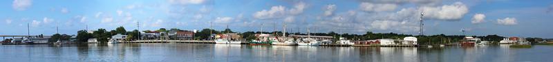 We reach Carrabelle, a lovely little town ...