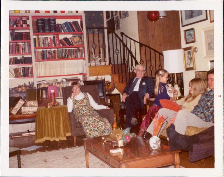 1974 Christmas 1.jpg