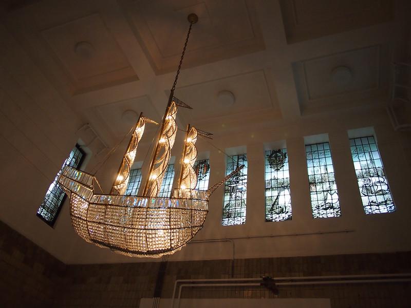 PA083593-ship-chandelier.JPG