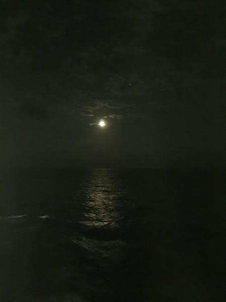 海上巡航類_月光光.JPG