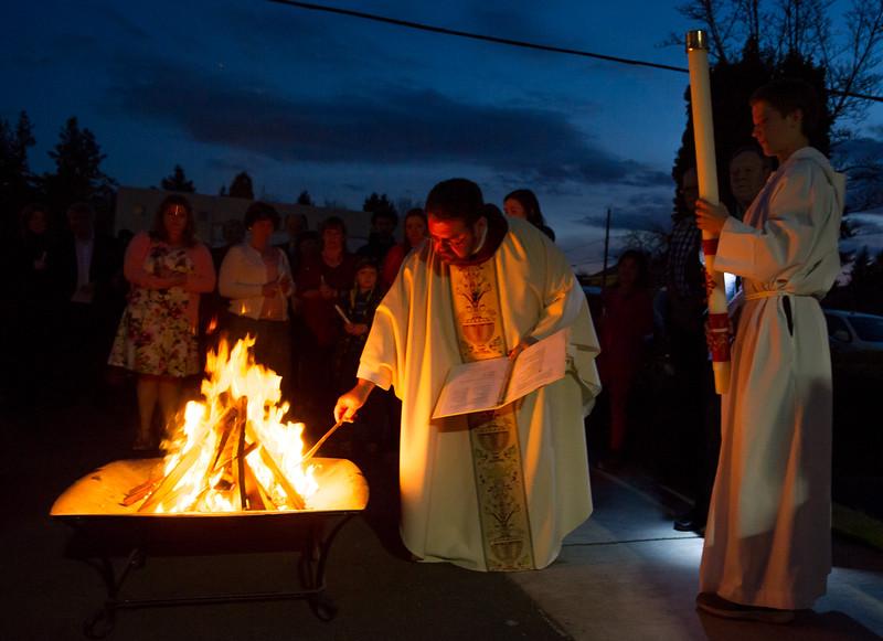 2018 HC Easter Vigil_4669_300 DPI.JPG
