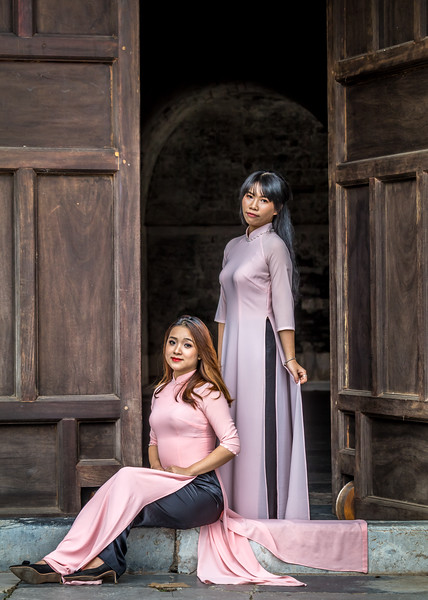 Vietnamese beauties at The Citadel in Hanoi
