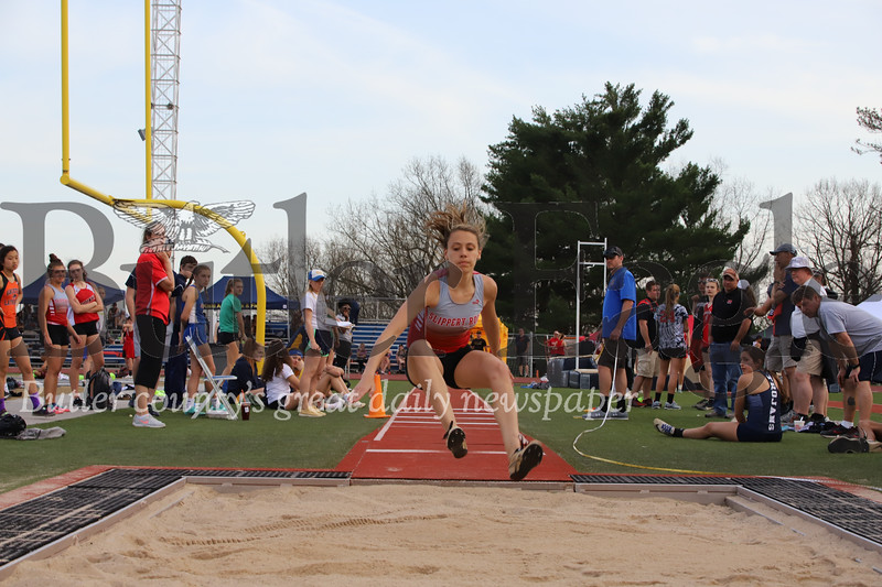 Slippery Roch triple jumper Emma McDermott. Seb Foltz/ Butler Eagle