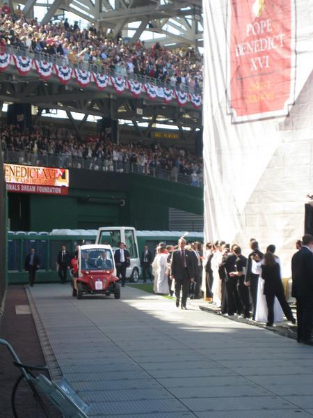 Pope Mass Nats Stadium 4-17-08 052.jpg