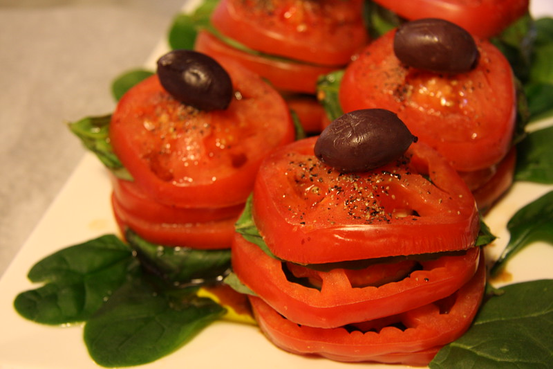 caprese-salad-tower_3376705226_o.jpg