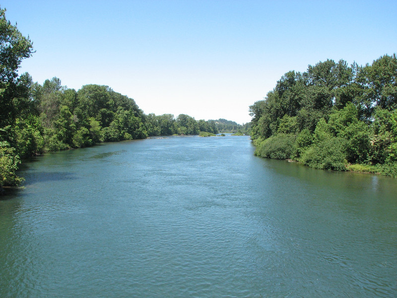 We start from Eugene which straddles the Willamette River.