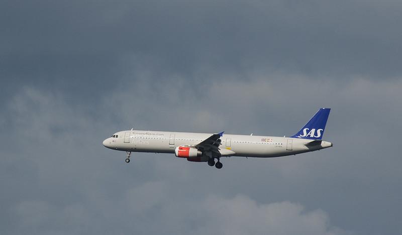 Scandinavian Airlines System Airbus A321 LN-RKK in Kopenhagen/DK.