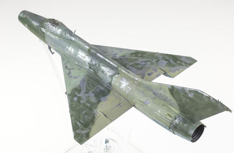 Trumpeter MiG-21F-13 03-20-14-2.jpg