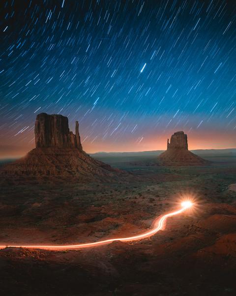 long-exposure-galaxy-monument-valley.jpg