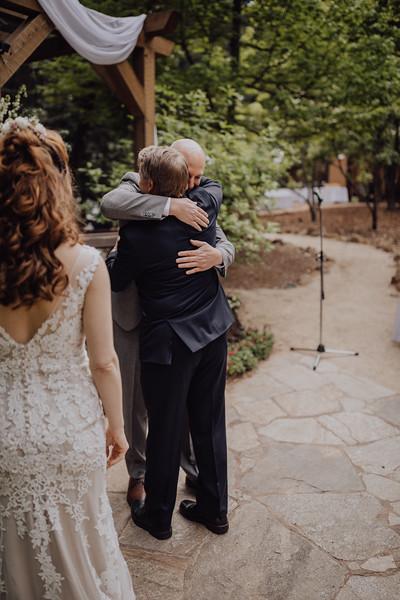 2018-05-12_ROEDER_JulieSeth_Wedding_ROEDER1_0126.jpg