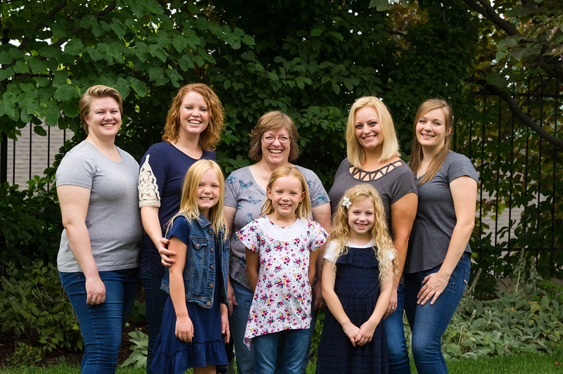 AG_2018_07_Bertele Family Portraits__D3S3969-2.jpg