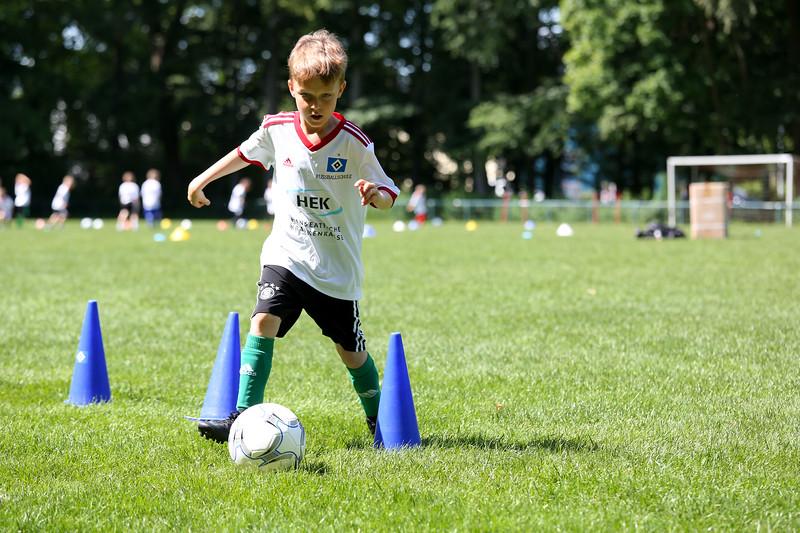 hsv_fussballschule-494_48047957996_o.jpg