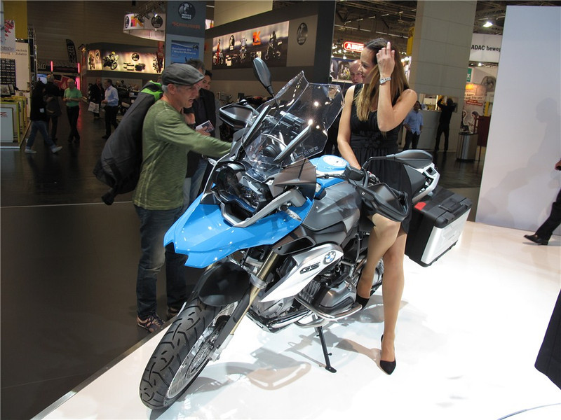2013_new_water_cooled_bmw_r1200gs_003.jpg