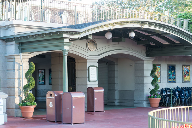 Empty Entrance Tunnel - Magic Kingdom Walt Disney World