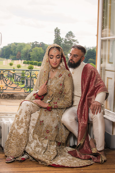 Luxury Asian Wedding Photography based in Luton,covering London & UK. Specialising in Sikh, Hindu & Muslim Weddings. We are the only Photographer you need