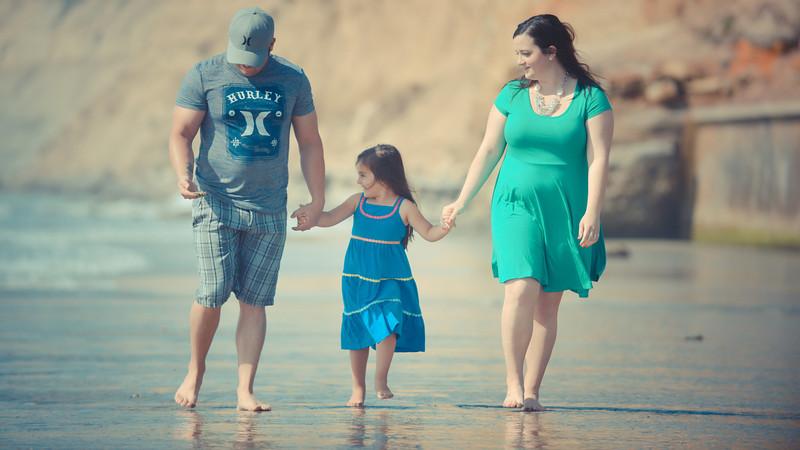 beach family (2 of 1).jpg