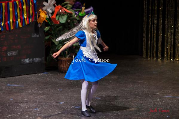 2016 Alice In Wonderland