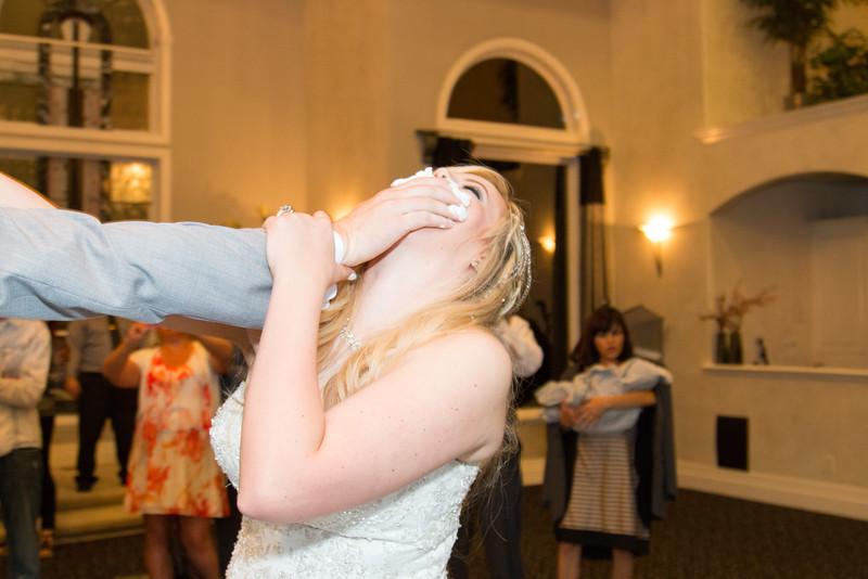 danielle-andy-wedding-photography-reception-23.jpg