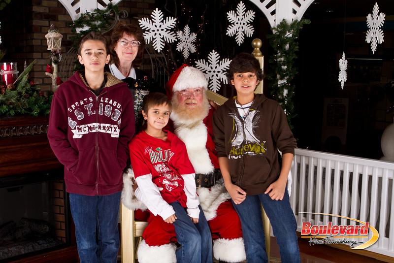 Santa Dec 8-217.jpg