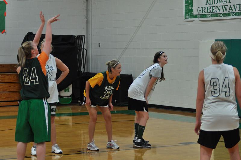 mhs-alumni-basketball-sorsn-0425.jpg