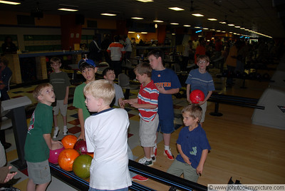 2007 04 14 Carson's 9th Birthday - Bowling Alley