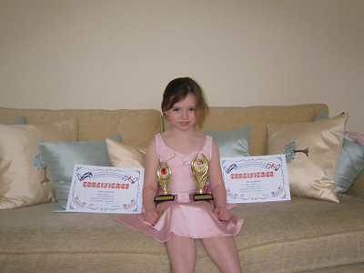 Chloe wins Dancing Award with Honours