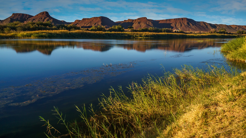 Peaceful and colorful Orange River.