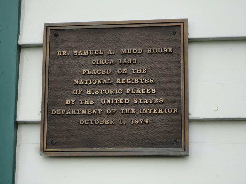 Plaque at the Mudd House.