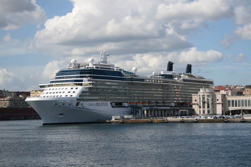 2011 - CELEBRITY SOLSTICE in Napoli.