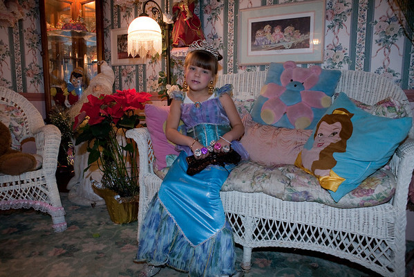 09-01 Olivia's Doll House