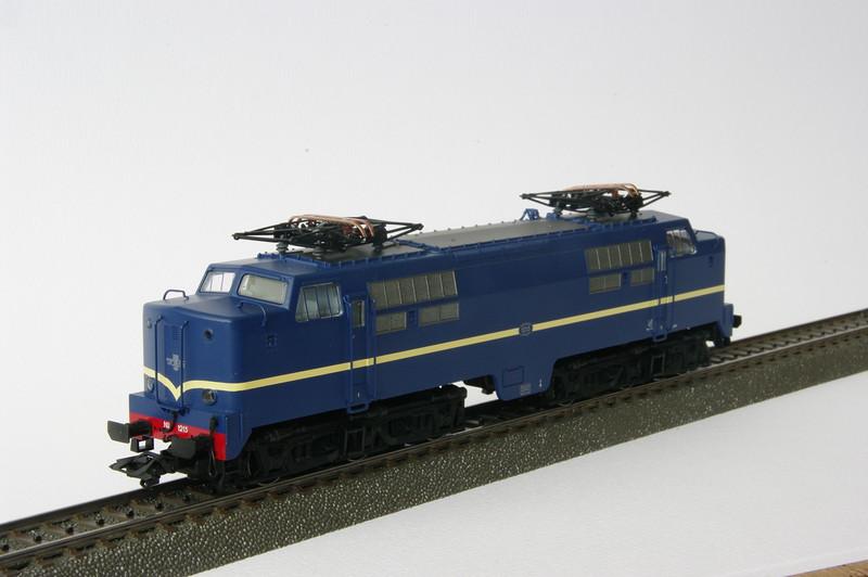 37121 NS 1215 2.JPG