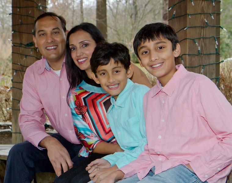 2016 12 Pabla Family Photo Session (22)_1.JPG