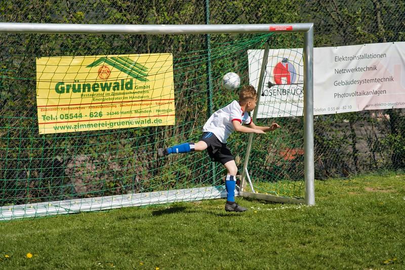 hsv-fussballschule---wochendendcamp-hannm-am-22-und-23042019-y-35_47677908852_o.jpg