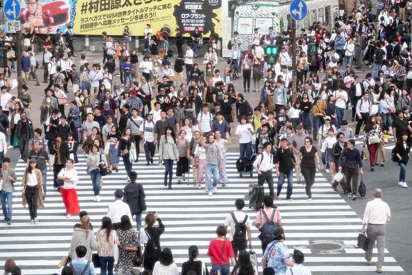 Photowalking the Tokyo Shibuya Scramble