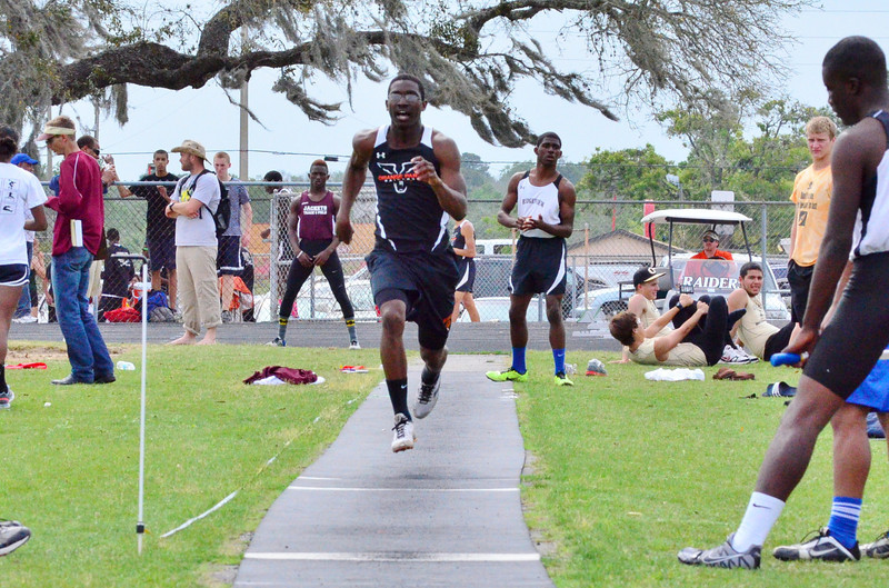 Track & Field: Don Hall Invitational