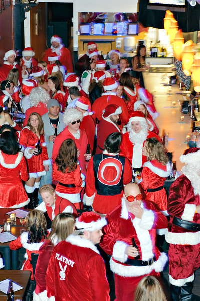 2011 GBT Santa Crawl-125.jpg