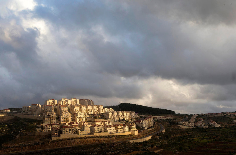 . Houses are seen in a general view of the West Bank Jewish settlement of Efrat, near Bethlehem March 17, 2013.  U.S. President Barack Obama is due to make his first official visit to Israel and the Palestinian Territories this week, looking to improve ties after sometimes rocky relations with both sides during his first term in office. Israeli settlement expansion lies at the heart of much of the rancor between Israeli Prime Minister Benjamin Netanyahu and Obama, who has said the United States does not accept the legitimacy of continued settlement. Picture taken March 17, 2013. REUTERS/Ronen Zvulun