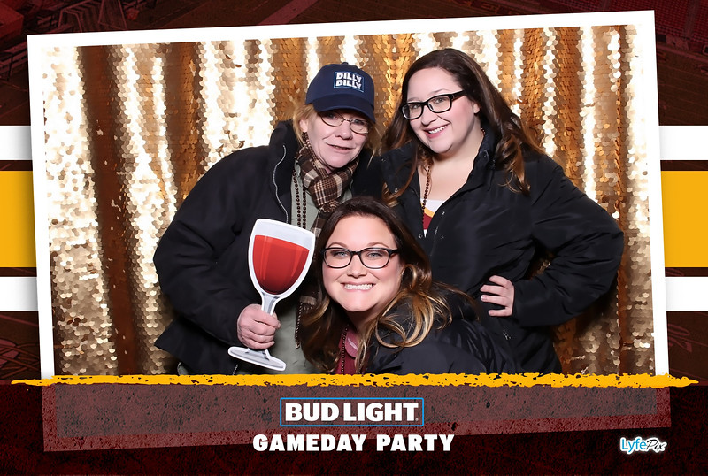 washington-redskins-philadelphia-eagles-football-bud-light-photobooth-20181203-211419.jpg