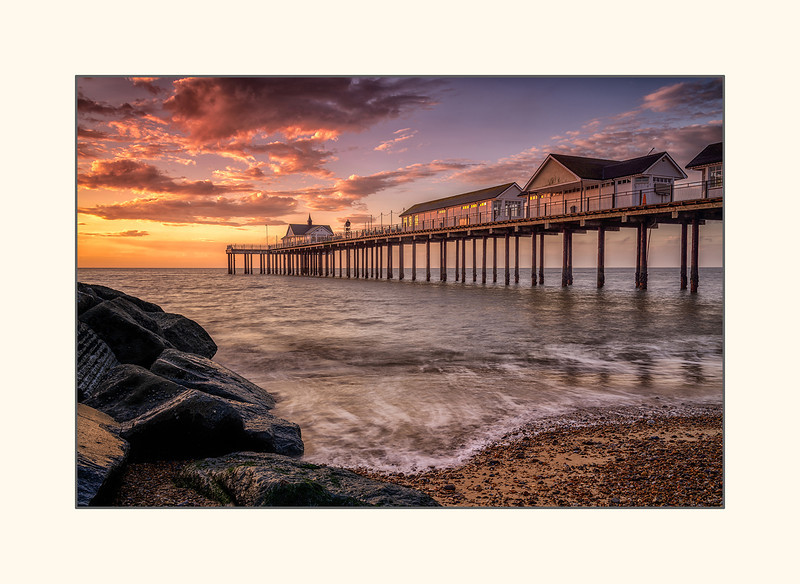 Southwold pier at dawn.jpg