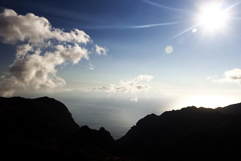La Gomera z vyhlídky pod hřebenem pohoří Teno