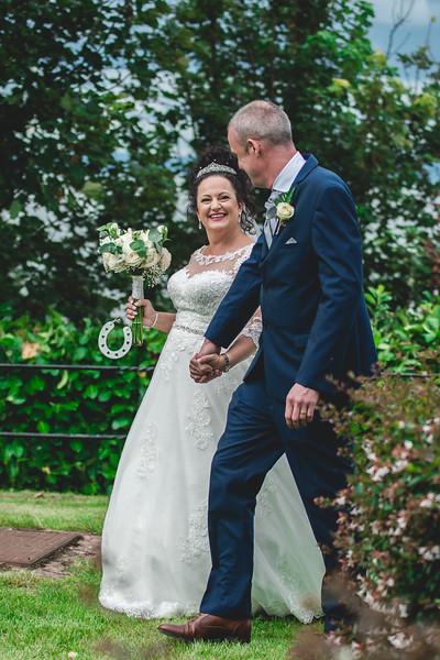 Mr & Mrs Wallington-367.jpg