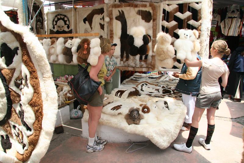 2007-02-24-0027-Galapagos with Hahns-Day 8, Otavalo-Markets-Alpaca-Elaine-Debby-Audrey.JPG