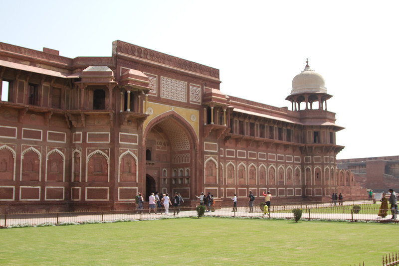 India_2012Feb-6107.jpg