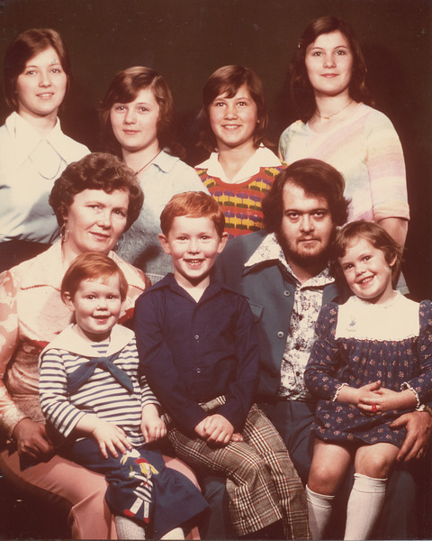 Family Picture 1976.jpg