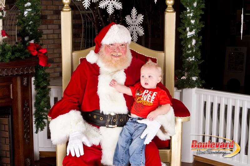 Santa Dec 8-337.jpg