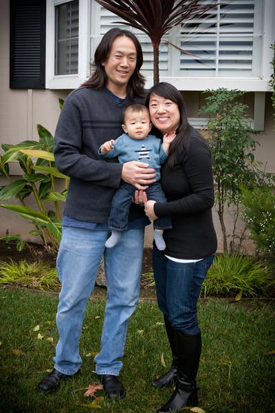 Trinhfamily2012-jwp-1.jpg