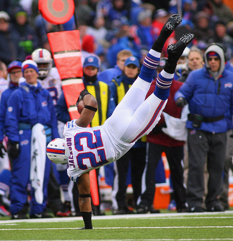 . Fred Jackson #22 of the Buffalo Bills braces his fall after running against the St. Louis Rams at Ralph Wilson Stadium on December 9, 2012 in Orchard Park, New York. St Louis won 15-12.  (Photo by Rick Stewart/Getty Images)