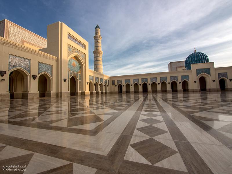 Sultan Qaboos mosque -- Sohar (34).jpg