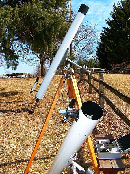Winter observing is often done with the two classic instruments -  4 inch F-15 Edmund Scientific Refractor & and a 4.25 inch Edmund F-10 Reflector. Both from 1960's or early 1970's.