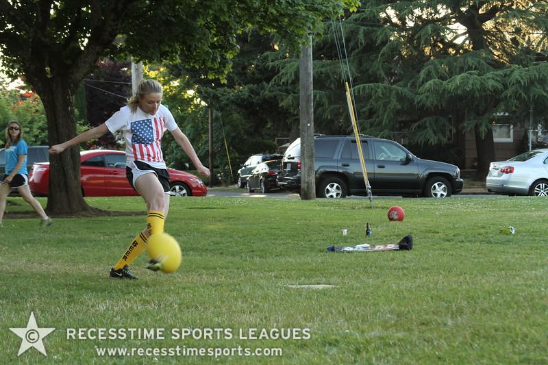 Recesstime_Portland_Kickball_20120724_4108.JPG